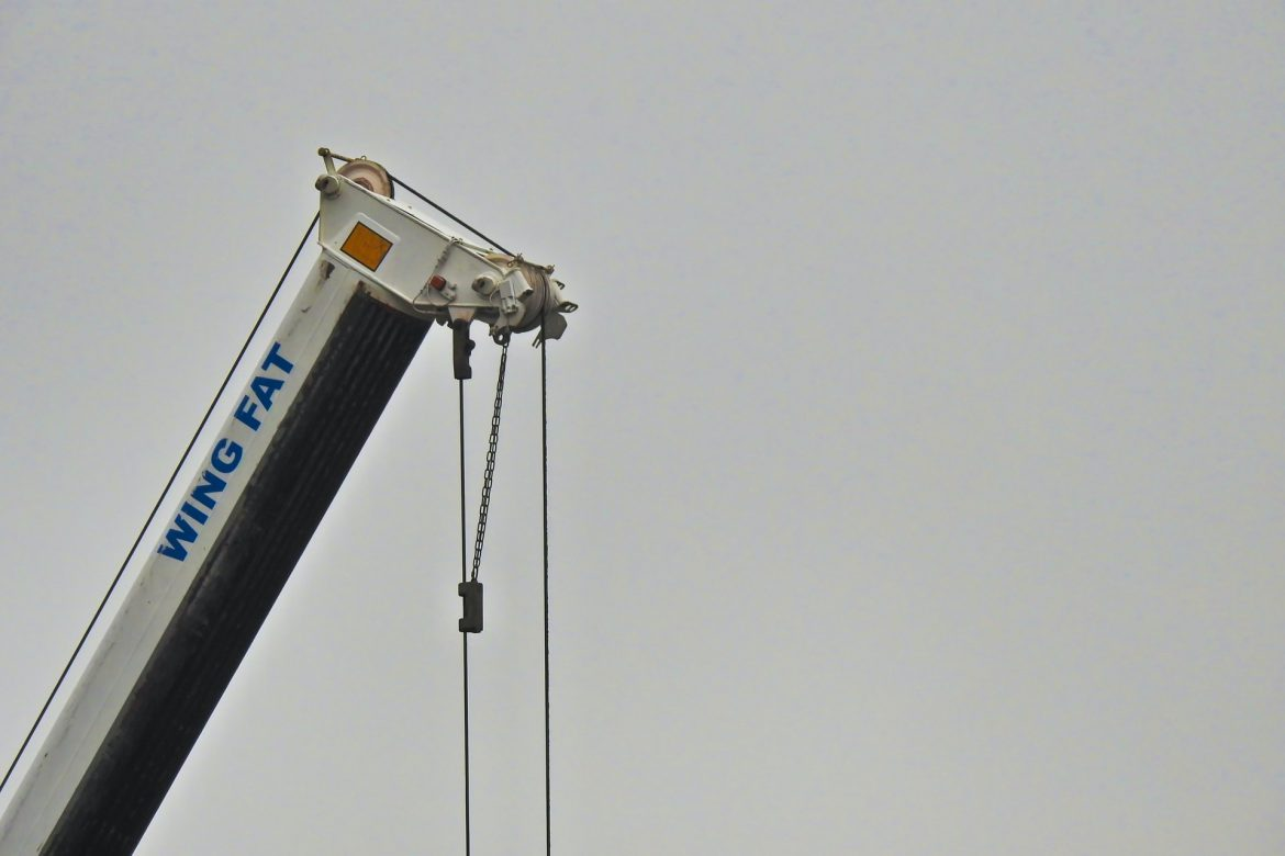 5 things to look out for when renting a mini crane