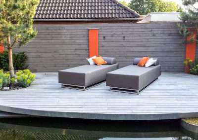 Positioning a Luxury outdoor daybed